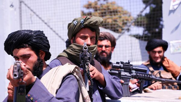 Боевики движения Талибан (террористическая группировка, запрещеннфая в РФ) в Кабуле, 2 сентября 2021 года - Sputnik Azərbaycan