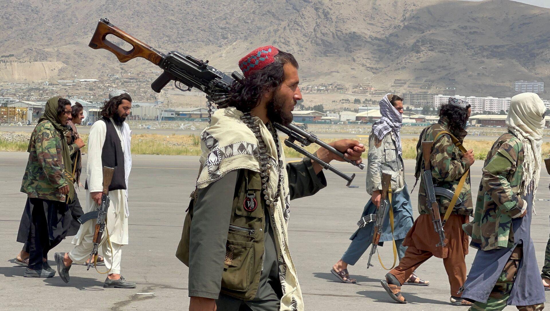 Боевики движения Талибан (террористическая группировка, запрещеннфая в РФ) в Кабуле, 31 авгутса 2021 года - Sputnik Azərbaycan, 1920, 06.09.2021