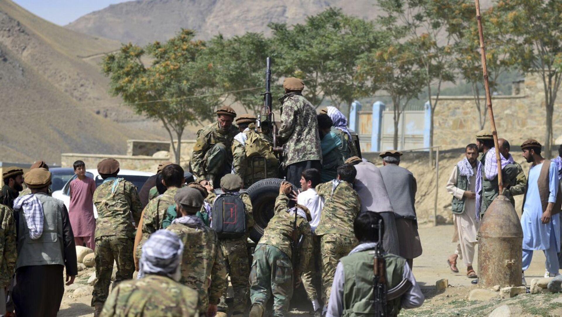 Бойцы афганского движение сопротивления Талибану* в провинции Панджшер - Sputnik Азербайджан, 1920, 05.09.2021