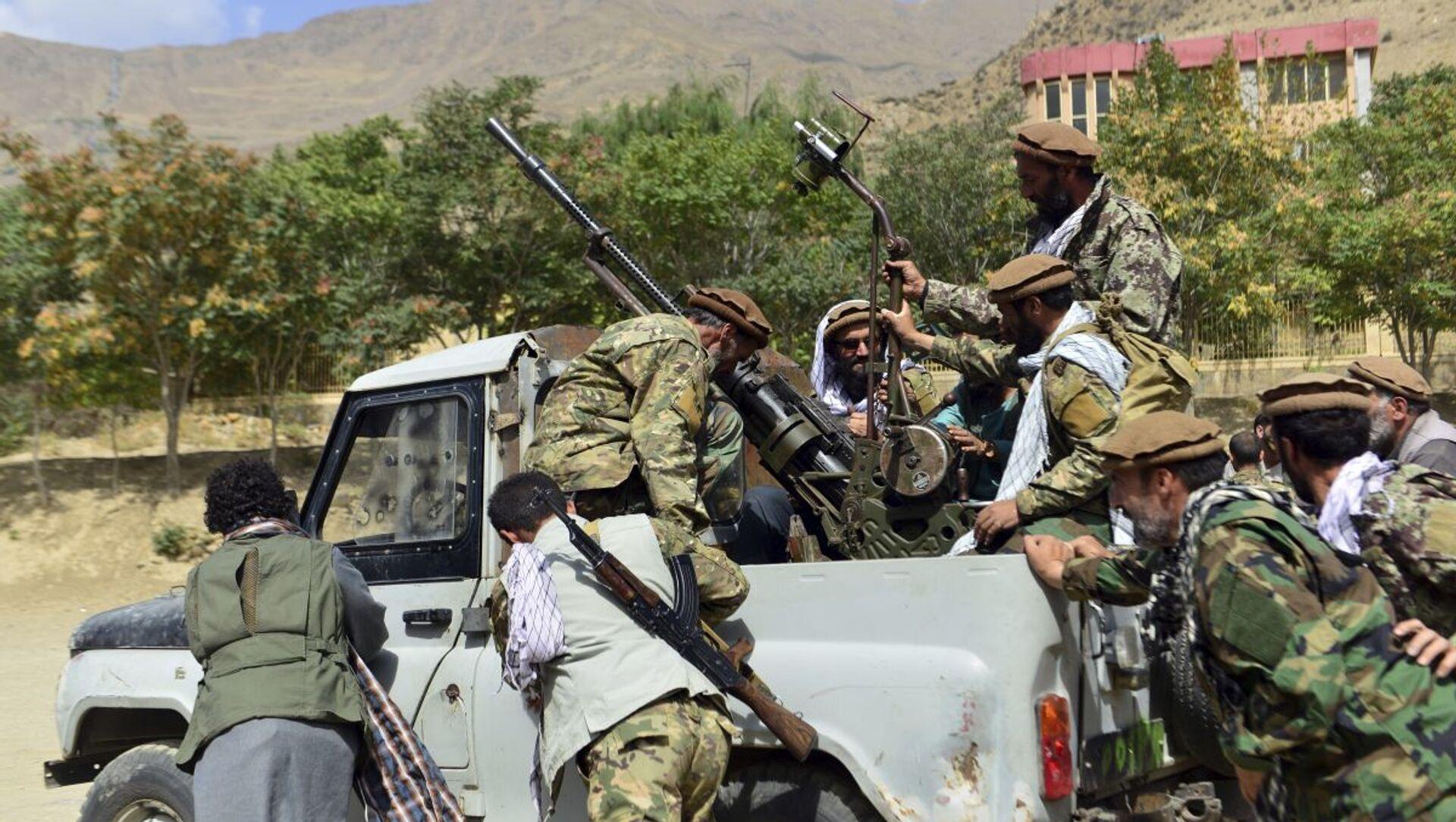 Бойцы афганского движение сопротивления Талибану* в провинции Панджшер - Sputnik Azərbaycan, 1920, 05.09.2021