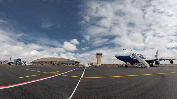 Самолет в Физулинском Международном аэропорту - Sputnik Азербайджан