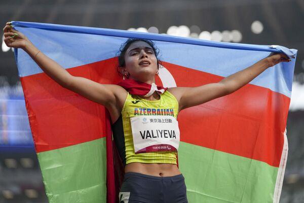 Ламия Велиева побила паралимпийский рекорд – 55 секунд в беге на 400 метров. В ее активе также серебряная медаль в беге на 100 метров. - Sputnik Азербайджан