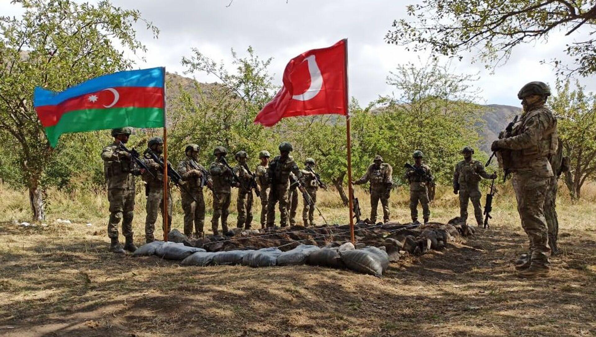 В Лачинском районе начались совместные азербайджано-турецкие учения - Sputnik Azərbaycan, 1920, 08.09.2021