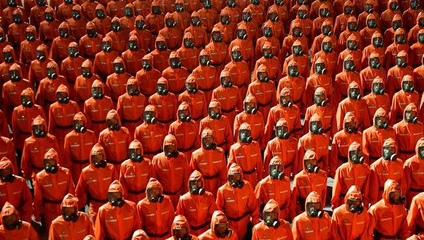 Во время парада в честь 73-летия образования КНДР - Sputnik Azərbaycan