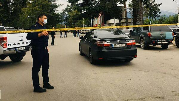 Полиция на месте нападения на филиал Банка Грузии в городе Кварели - Sputnik Азербайджан