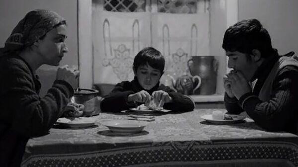 Suğra və oğulları filmindən kadr - Sputnik Azərbaycan