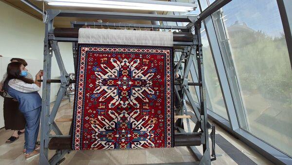 В Музее ковра представили знаменитый ковер Челеби - Sputnik Азербайджан
