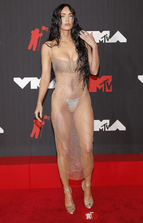 Aktrisa Meqan Foks MTV Video Music Awards 2021 tədbirində. - Sputnik Azərbaycan