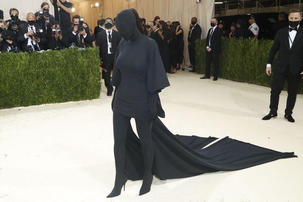 Ким Кардашьян на Met Gala 2021 в Нью-Йорке. - Sputnik Азербайджан