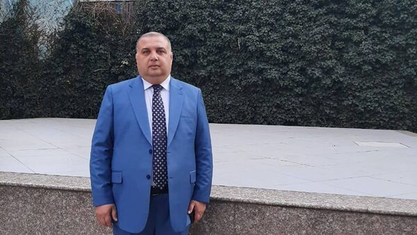 İqtisadi və Sosial Araşdırmalara Yardım İctimai Birliyinin (İSAY İB) sədri Eyyub Kərimli  - Sputnik Азербайджан