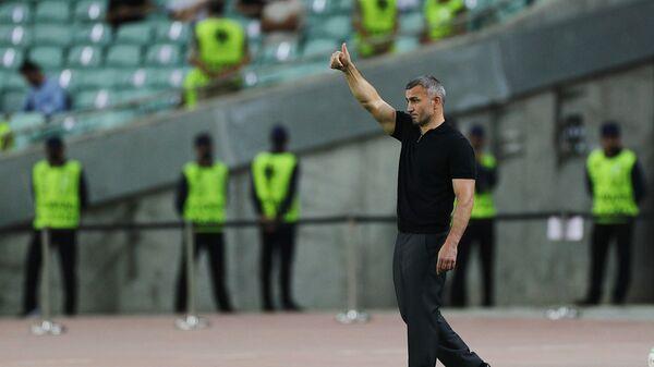 Главный тренер азербайджанского «Карабаха» Гурбан Гурбанов - Sputnik Азербайджан