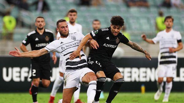 Игровой момент в матче группового этапа Лиги конференций между Карабахом и Базелем - Sputnik Азербайджан