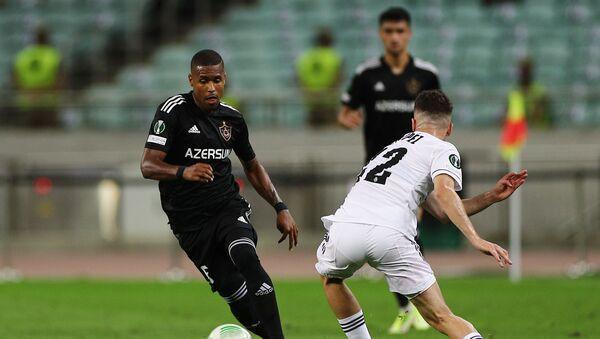 Игровой момент в матче группового этапа Лиги конференций между Карабахом и Базелем - Sputnik Azərbaycan