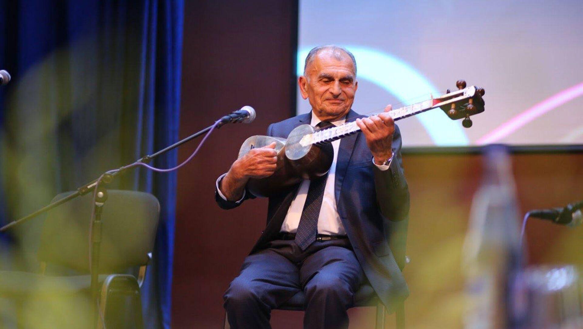 Xalq artisti Vamiq Məmmədəliyev, arxiv şəkli - Sputnik Azərbaycan, 1920, 17.09.2021