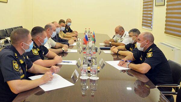 Состоялась рабочая встреча между главой военной делегации Каспийской флотилии Российской Федерации, находящейся в нашей стране с дружественным визитом, и командованием Военно-Морских Сил Азербайджана - Sputnik Азербайджан