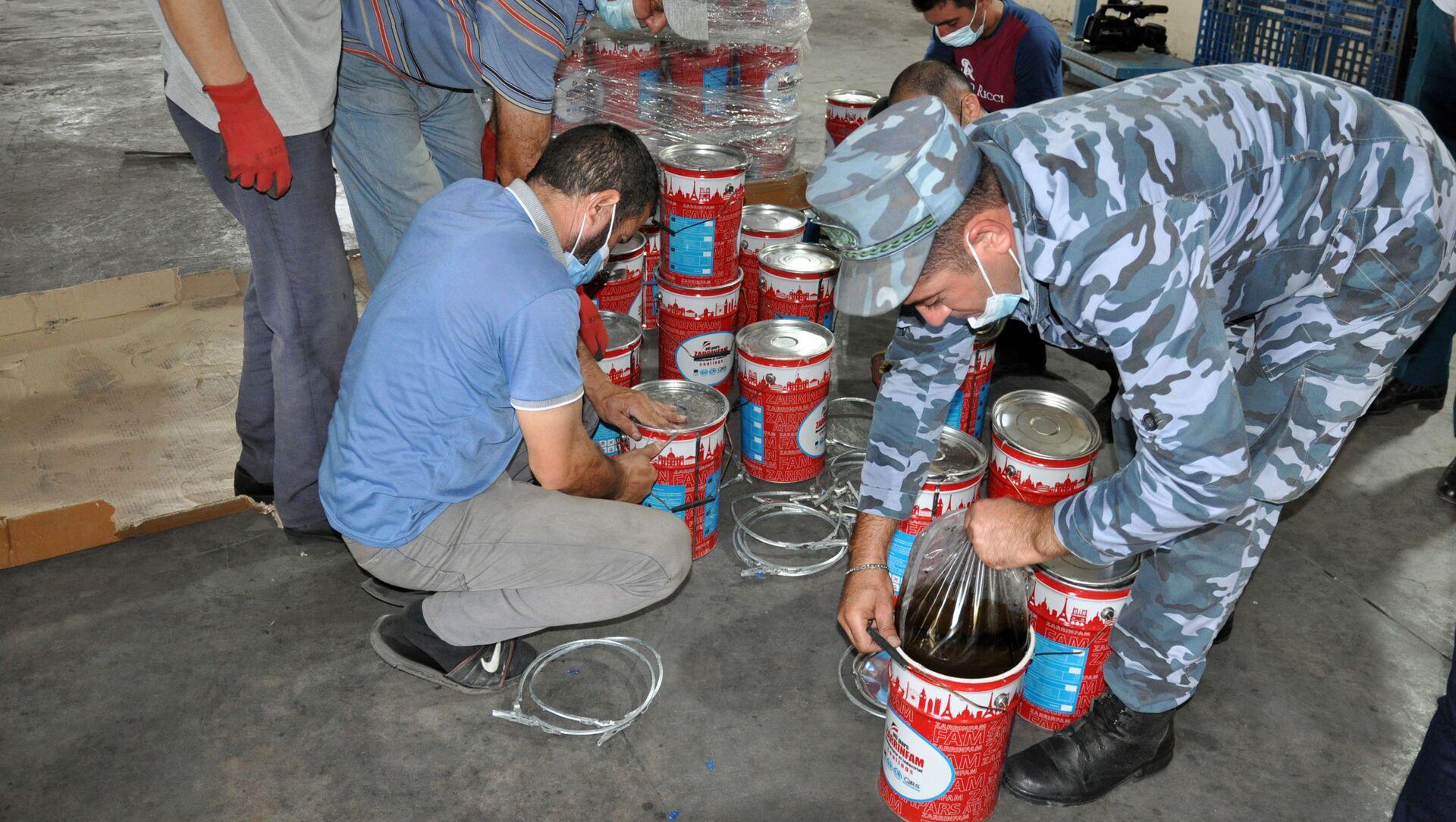 Таможенники обнаружили полтонны наркотиков на южной границе Азербайджана - Sputnik Азербайджан, 1920, 20.09.2021