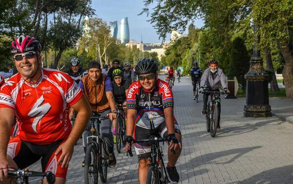 Международный велопробег, приуроченный к годовщине начала победоносной 44-дневной войны в Карабахе - Sputnik Азербайджан