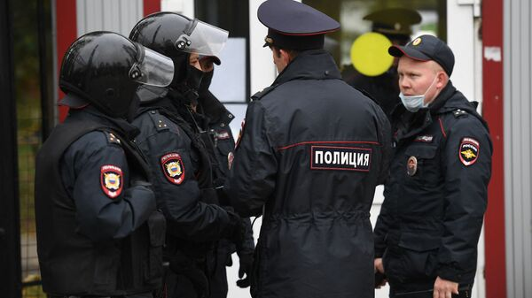 Rusiyada polis əməkdaşları, arxiv şəkli - Sputnik Azərbaycan