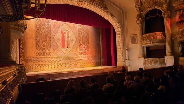 Спектакль «Лейли и Меджнун» в Азербайджанском государственном академическом театре оперы и балета - Sputnik Азербайджан