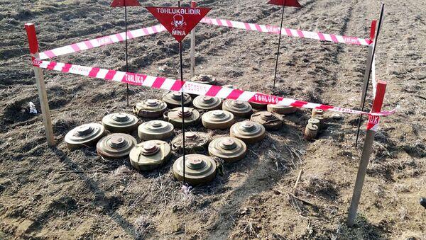 Azad edilən ərazilərdə bölmələrimizin hərtərəfli mühəndis təminatı üzrə tədbirlər davam etdirilir - Sputnik Азербайджан