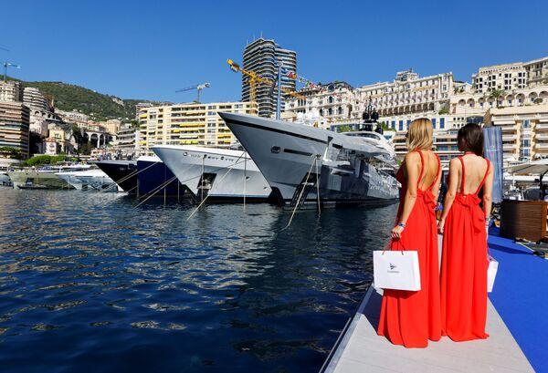 Ежегодно в конце сентября порт Эркюль становится главной площадкой для зрелищного яхт-шоу - Monaco Yacht Show (MYS). - Sputnik Азербайджан