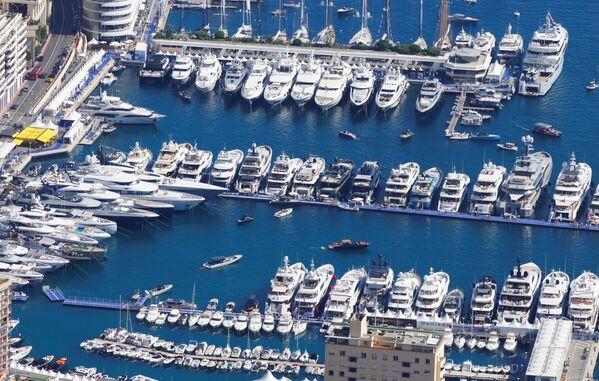 Роскошные яхты на Monaco Yacht Show, одного из самых престижных шоу прогулочных катеров в мире. - Sputnik Азербайджан