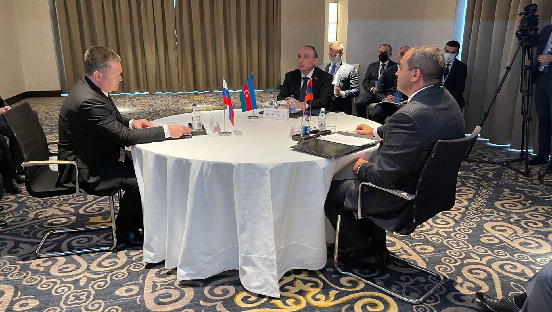Генеральные прокуроры Азербайджана, России и Армении обсудили в Нур-Султане  - Sputnik Azərbaycan, 1920, 23.09.2021