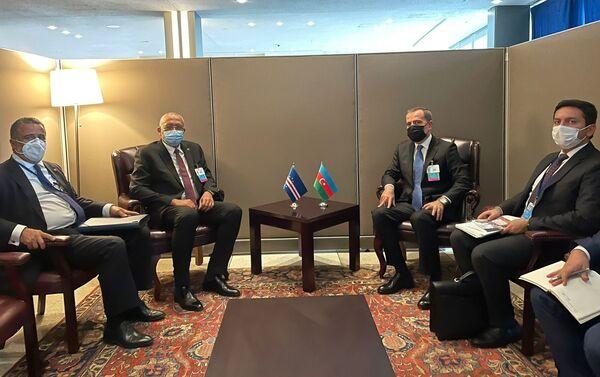 Джейхун Байрамов с главой МИД Кабо-Верде Руи Соаресом - Sputnik Азербайджан