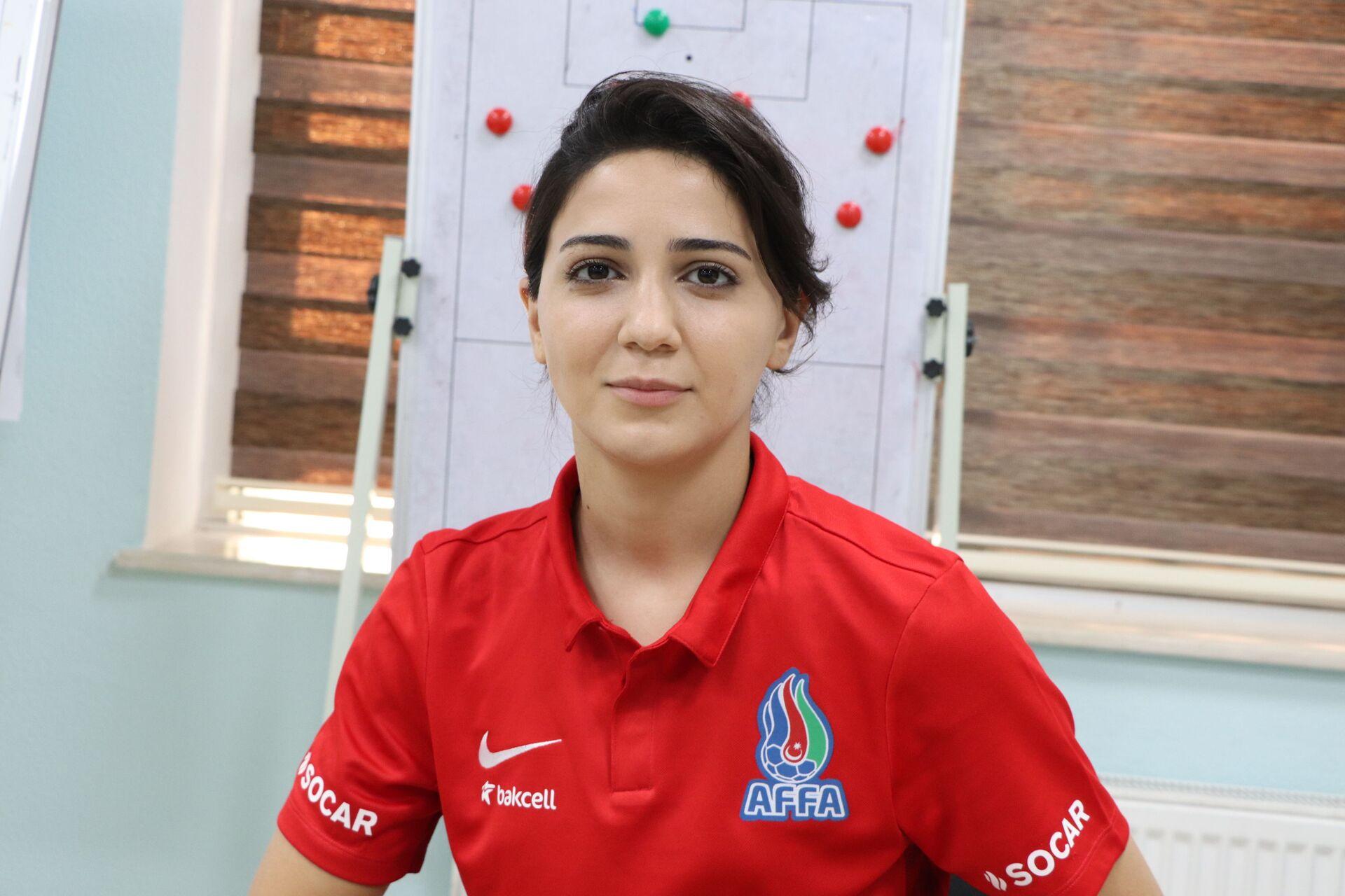 Azərbaycanın qadınlardan ibarət futbol komandası - Sputnik Azərbaycan, 1920, 01.10.2021