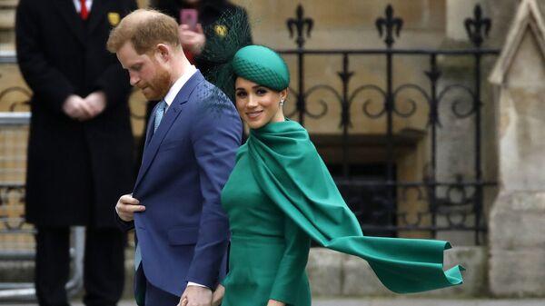 Принц Гарри с супругой Меган Маркл - Sputnik Азербайджан