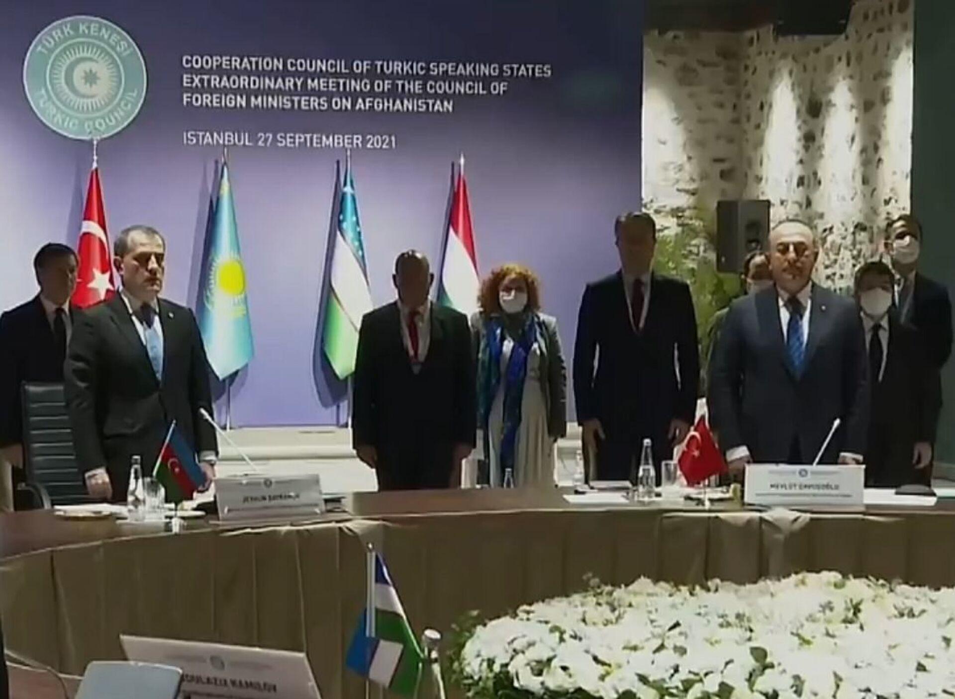 На заседании Тюркского совета почтили память павших в Отечественной войне - Sputnik Азербайджан, 1920, 01.10.2021