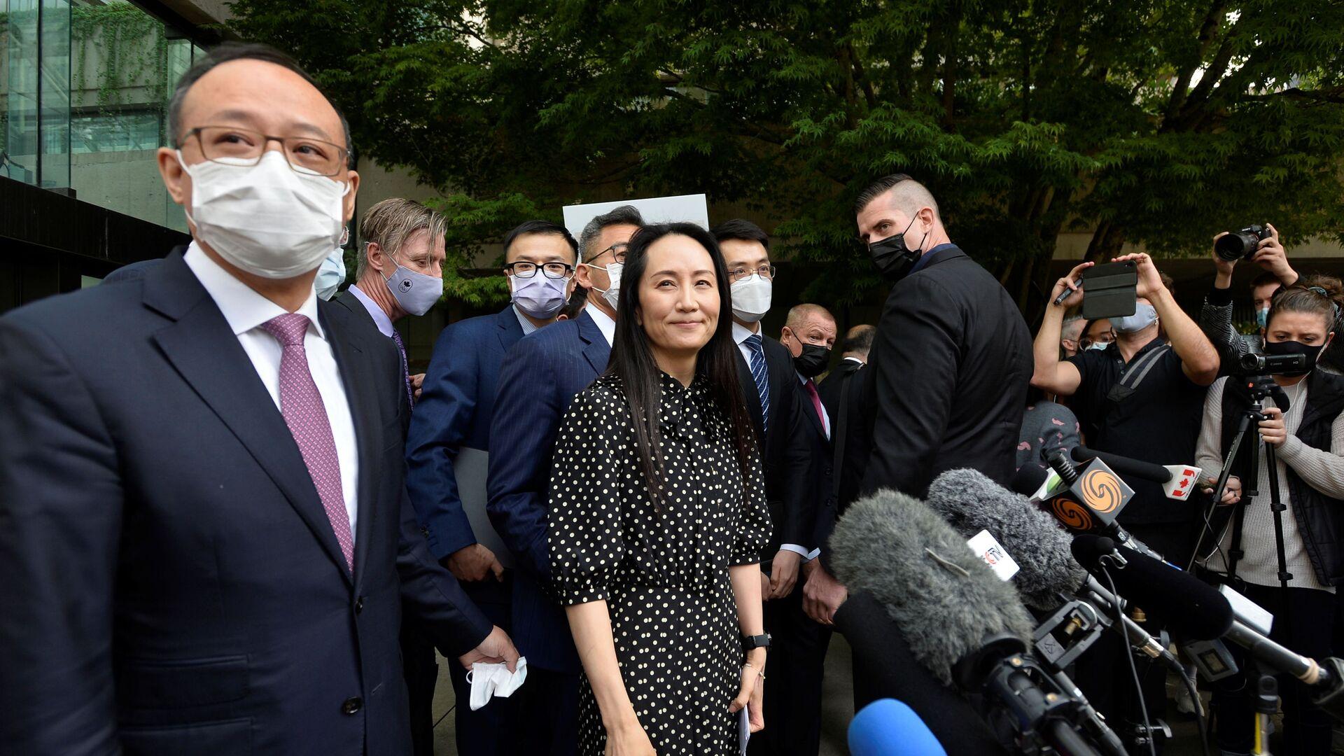 Финансовый директор Huawei Мэн Ваньчжоу после заседания суда в Ванкувере, Канада - Sputnik Азербайджан, 1920, 27.09.2021