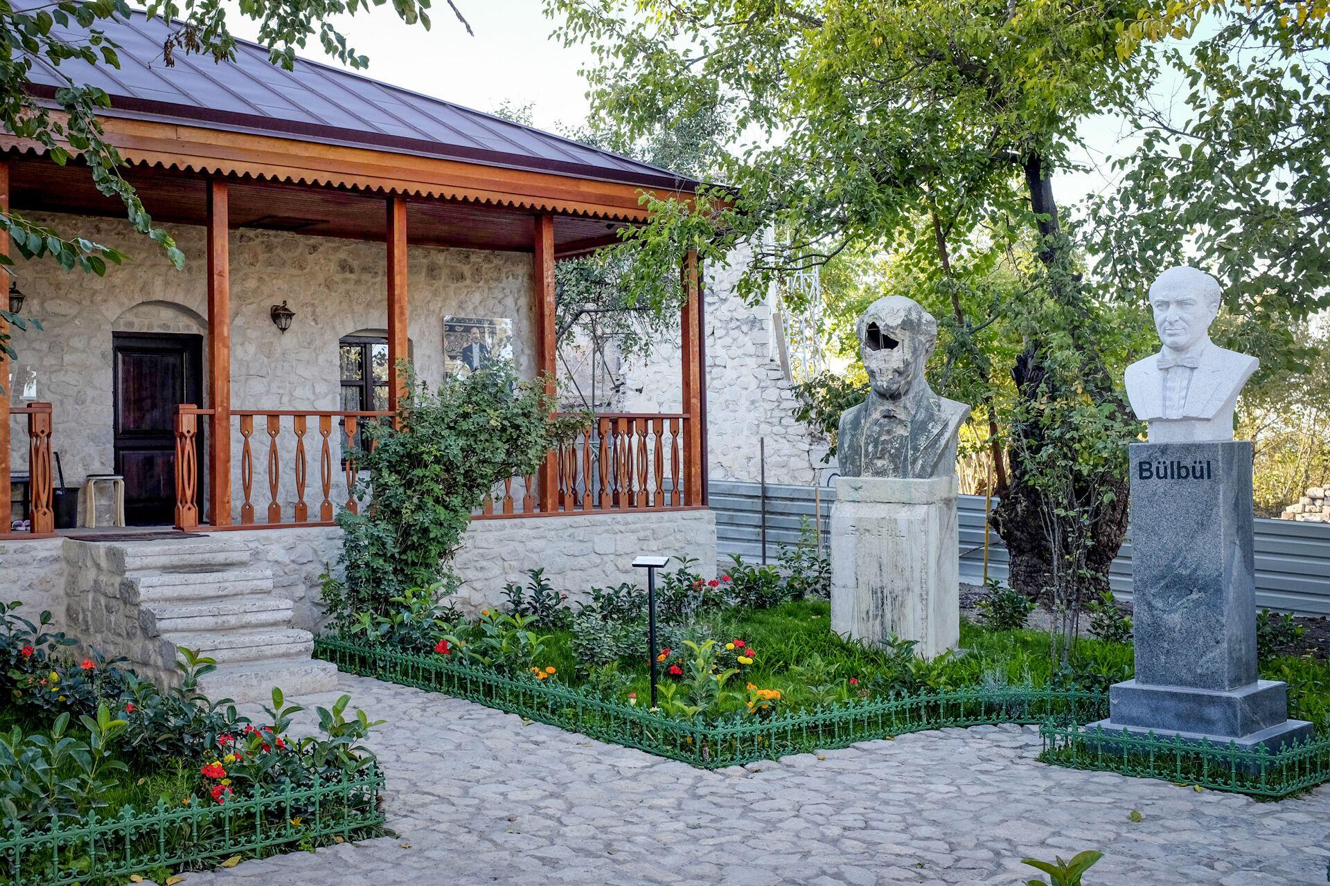 Şuşada Bülbülün ev muzeyi  - Sputnik Азербайджан, 1920, 01.10.2021