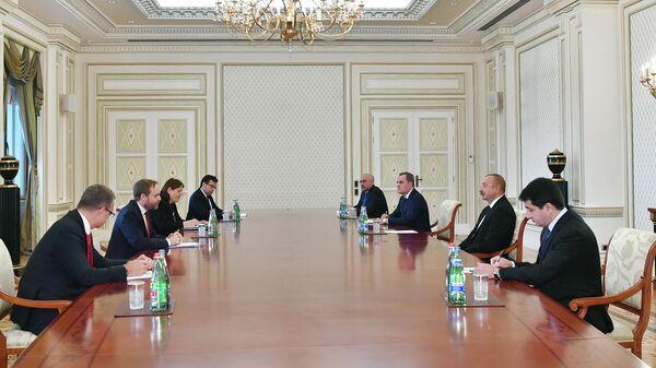 Президент Азербайджана Ильхам Алиев 30 сентября принял министра иностранных дел Чехии Якуба Кулханека - Sputnik Азербайджан