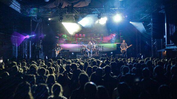 Известная турецкая рок-группа Mor ve Ötesi - Sputnik Азербайджан