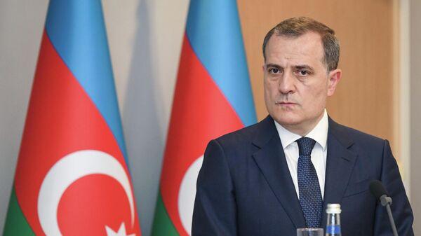 Глава МИД Азербайджана Джейхун Байрамов - Sputnik Azərbaycan
