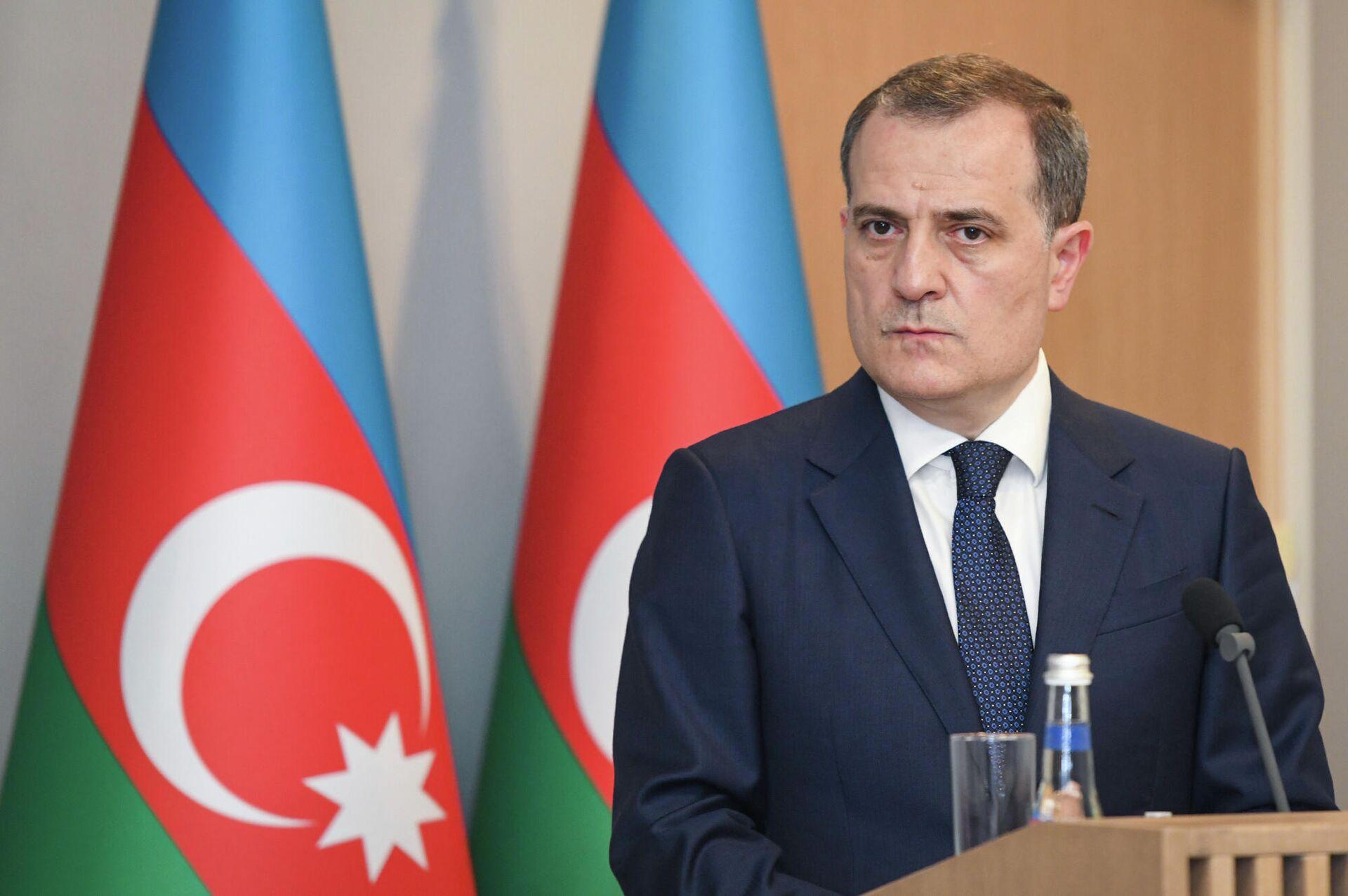Глава МИД Азербайджана Джейхун Байрамов - Sputnik Azərbaycan, 1920, 30.09.2021