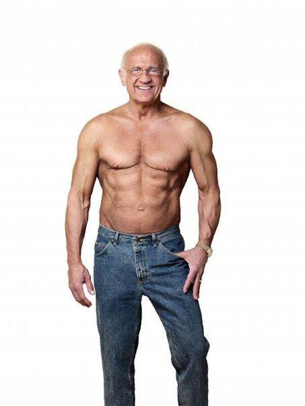 """Cefri Layf 59 yaşında ikən ağır çəki ucbatından ayaqqabılarının ipini belə bağlaya bilmirmiş. 2012-ci ildə isə """"Men's Fitness Magazine"""" Layfın adını (həmin vaxt o artıq 76 yaşında idi) """"dünyanın idmançı cüssəli 25 kişisi""""nin siyahısına saldı. - Sputnik Azərbaycan"""