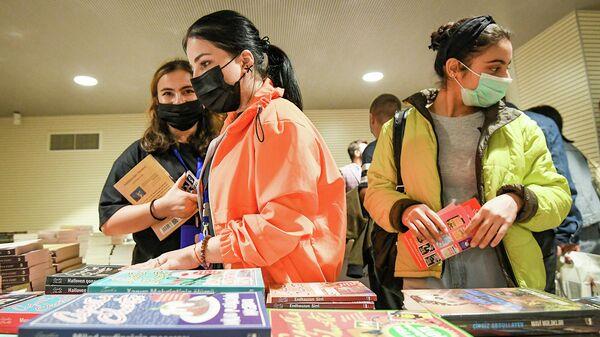 Книжная ярмарка в Баку, фото из архива - Sputnik Азербайджан