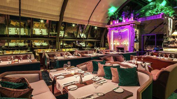 White Rabbit Restaurant&Bar - Sputnik Азербайджан