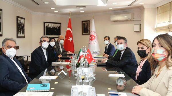 Политические консультации между министерствами иностранных дел Турции и Ирана - Sputnik Азербайджан