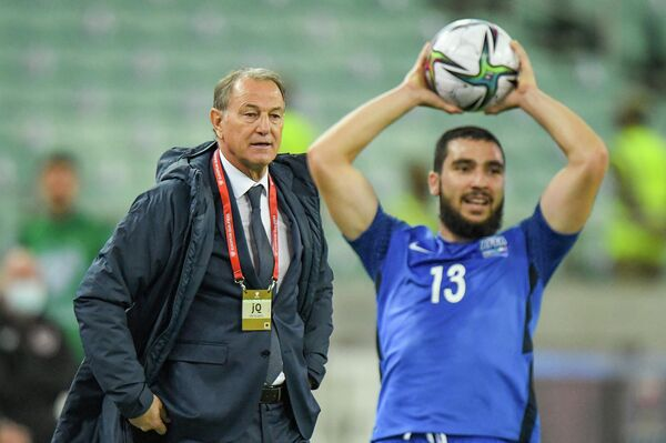 Подопечные Джанни Де Бьязи в этот раз уступили команде Ирландии со счетом 0:3. - Sputnik Азербайджан