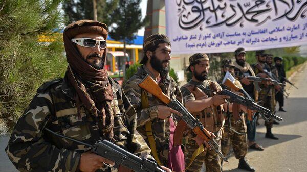 Боевики Талибан на окраине Кабула - Sputnik Азербайджан