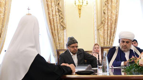 Встреча патриарха Кирилла с духовными лидерами Армении и Азербайджана - Sputnik Азербайджан