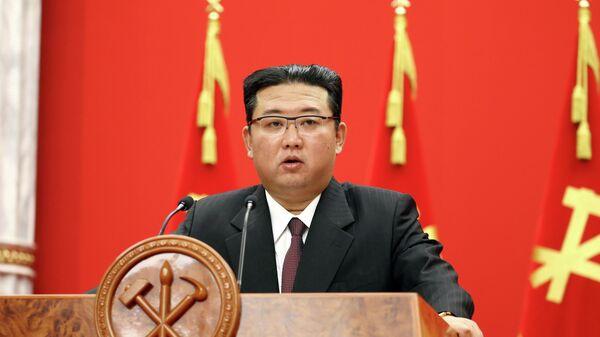 Лидер Северной Кореи Ким Чен Ын на мероприятии, посвященном 76-й годовщине основания правящей Рабочей партии Кореи в Пхеньяне, Северная Корея - Sputnik Азербайджан