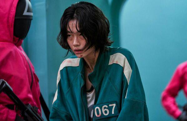 """Хо Ен Чон — самая популярная южнокорейская актриса в Instagram. За три недели с момента выхода сериала """"Игра в кальмара"""", где Чон сыграла свою первую роль, на нее подписалось 16 млн человек. - Sputnik Азербайджан"""