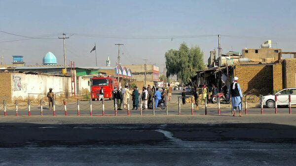 Члены движения Талибану шиитской мечети в провинции Кандагар - Sputnik Азербайджан
