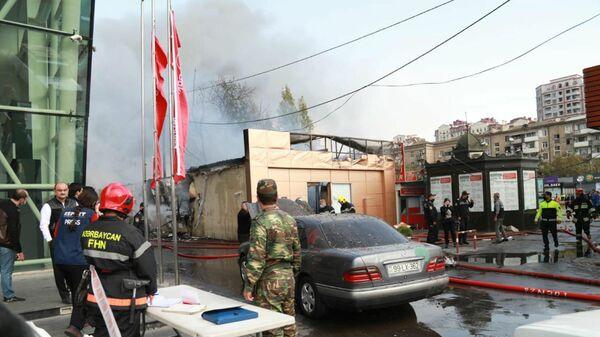 Пожар в Наримановском районе Баку - Sputnik Азербайджан