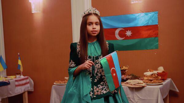 Азербайджанская модель Камилла Мамедзаде - Sputnik Азербайджан