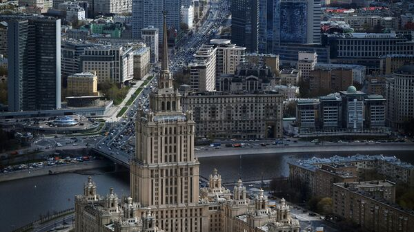 Вид на гостиницу Украина и Новый Арбат в Москве - Sputnik Азербайджан